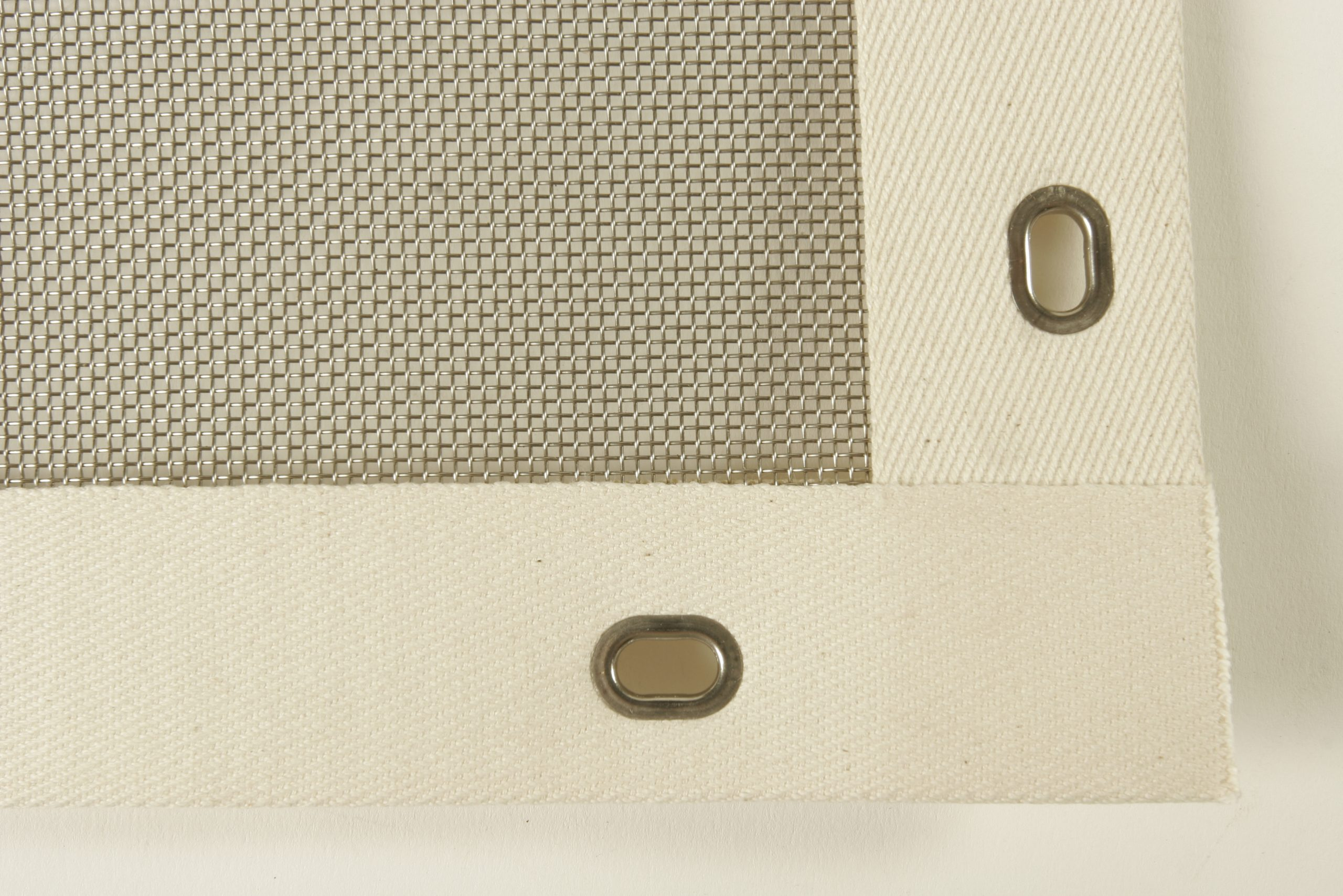 edged separator screens
